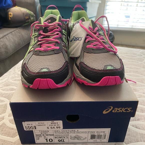 ASICS Gel Venture 5 Running Shoes. Size 10.
